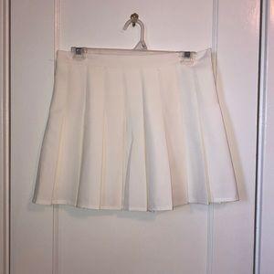 NWOT white pleated skirt